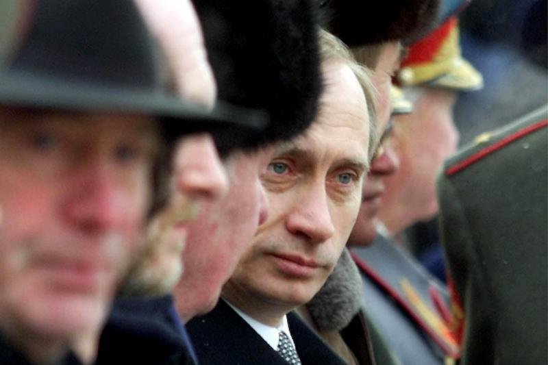 Putin at a militaryceremony in Moscow, February 2000