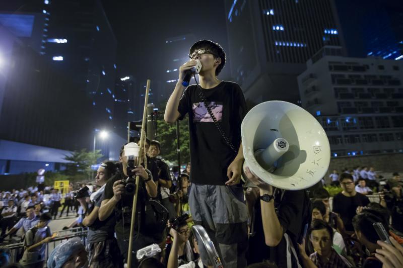 Wongdelivering a speech in Hong Kong, October2014