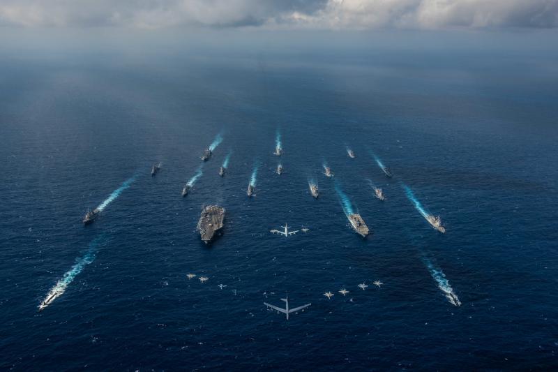 U.S. Navy vessels in the Philippine Sea,November2018