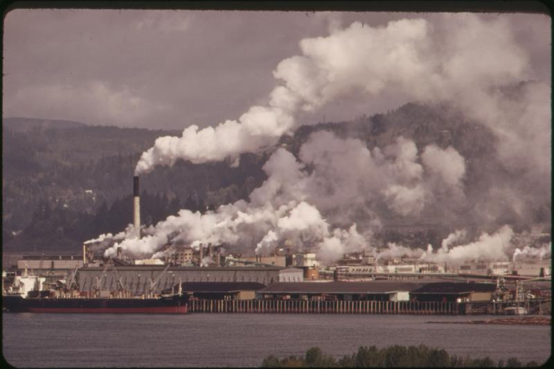 Weyerhauser Paper Mills and Reynolds Metal Plant are both located in Longview, on the Columbia River. Intense industrial concentration causes intense pollution 04/1973