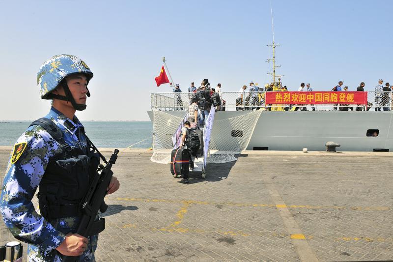 A Chinese soldier in Aden, Yemen, March 2015