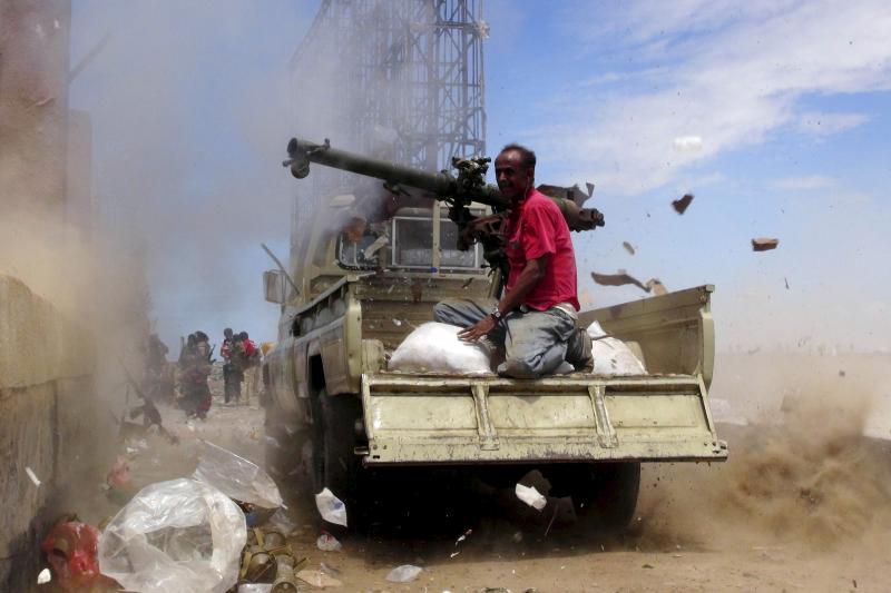 Fighting near Aden, Yemen, May 2015