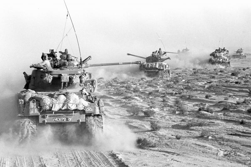 Israeli tanks in the Sinai peninsula during the 1967 war