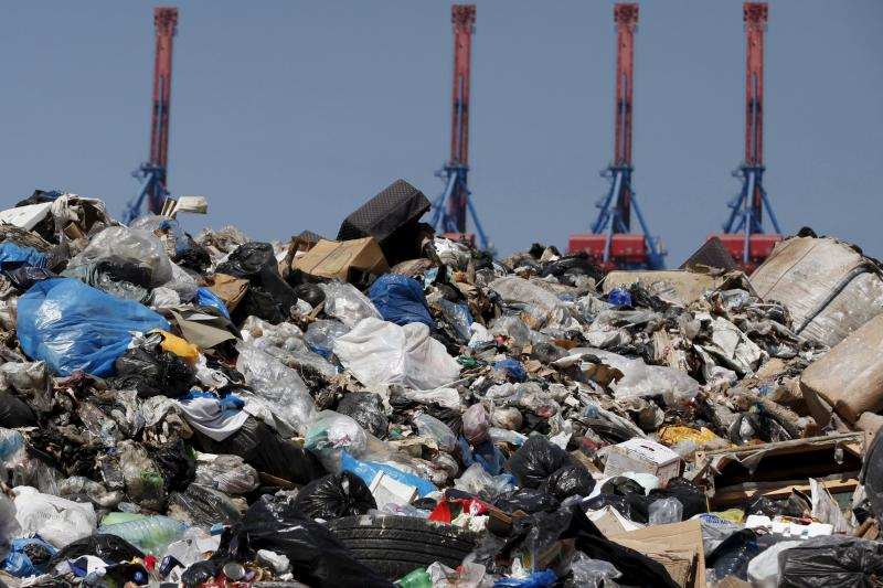 A general view shows a garbage filled-area on the edge of Beirut river, Lebanon August 29, 2015.