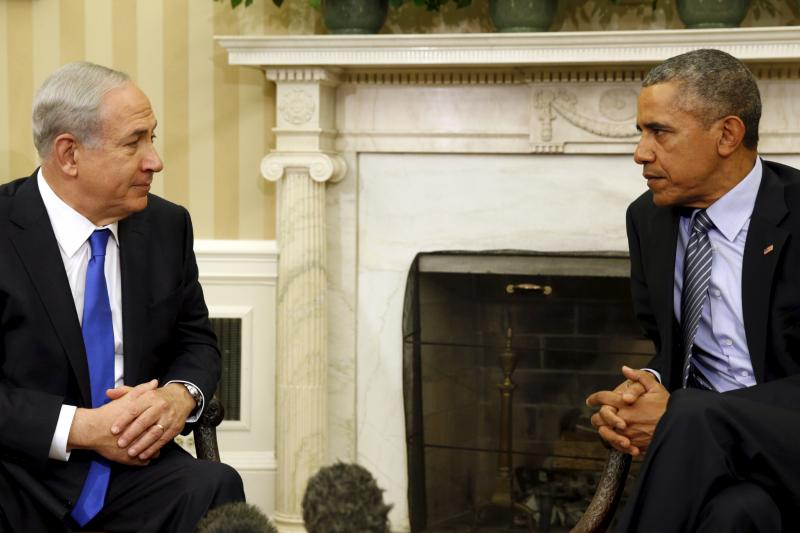 U.S. President Barack Obama meets with Israeli Prime Minister Benjamin Netanyahu to discuss peace plans in the Oval office, November 2015.