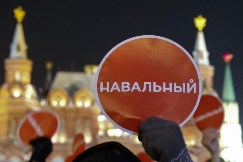 Supporters of Russian opposition leader and anti-corruption blogger Alexei Navalny hold a rally in protest against court verdict at Manezhnaya Square in Moscow December 30, 2014.