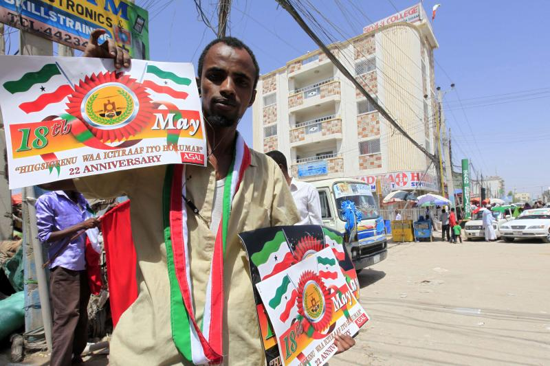 A Somaliland resident sells souvenirs a day before celebrating the 22nd anniversary of the self-declared independence day of the breakaway Somaliland region from the larger Somalia state, in Hargeisa May 17, 2013.
