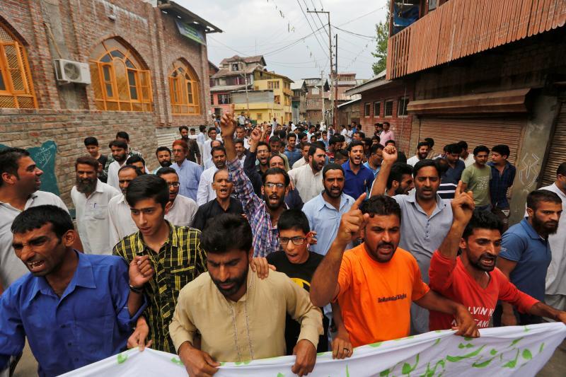 Kashmiris protest police violence in Srinagar, July 2016.