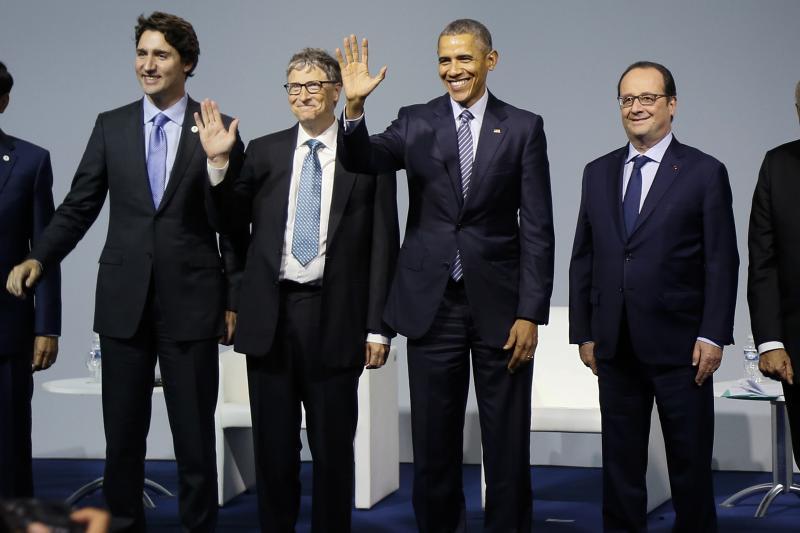 Indonesian President Joko Widodo, Canadian Prime Minister Justin Trudeau, Microsoft co-founder Bill Gates, U.S. President Barack Obama, French President Francois Hollande and Indian Prime Minister Narendra Modi at the launch of Mission Innovation in Paris