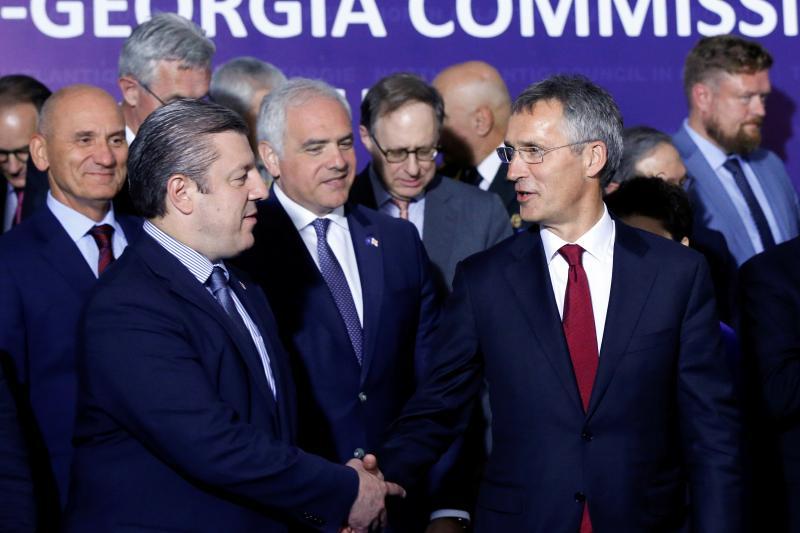 NATO Secretary-General Jens Stoltenberg and Georgian Prime Minister Giorgi Kvirikashvili in Tbilisi, September 2016.