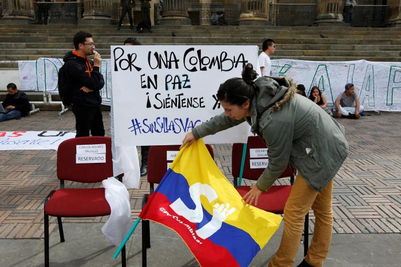 Students rally in favor of the peace referendum in Bogota, October 2016.