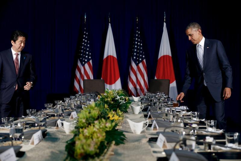 Japanese Prime Minister Shinzo Abe and U.S. President Barack Obama in Manila, November 2015.