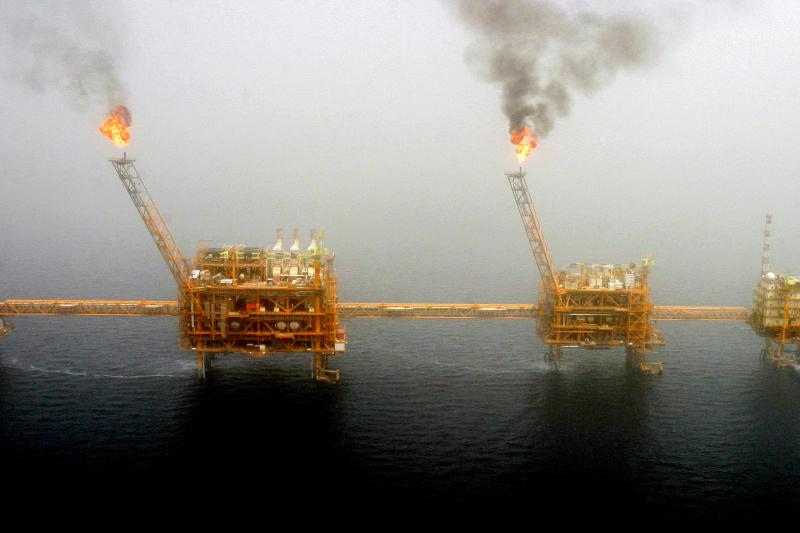 An Iranian oil production platform at the Souroush oil field in the Persian Gulf, July 2005.