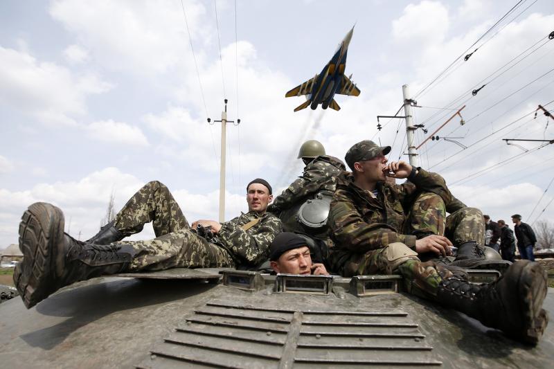Ukrainian soldiers in Kramatorsk, eastern Ukraine, April 2014.