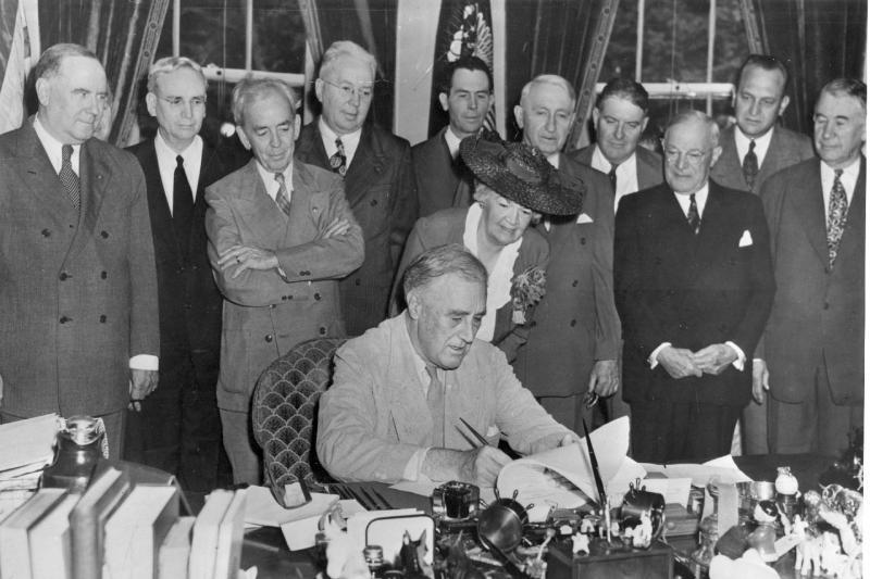 Roosevelt signs the GI Bill, June 1944.