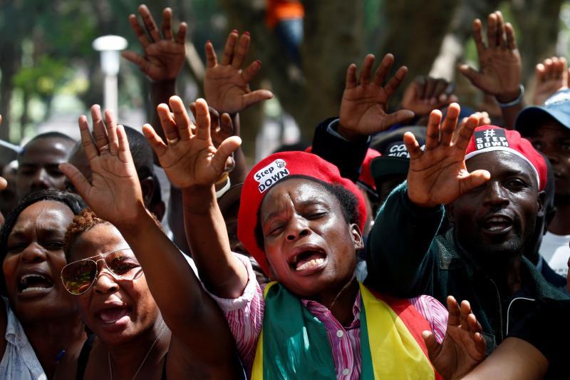 Protestors in Harare calling for Mugabe to resign, November 2017.