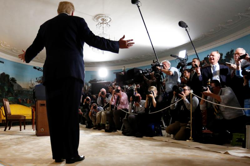 Trump speaks to reporters in the White House after announcing his intention to withdraw from the JCPOA, May 2018.