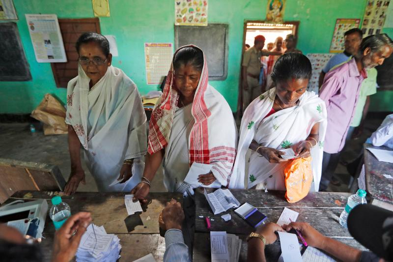 Voters at a polling stationin the northeastern state of Assam, April2019