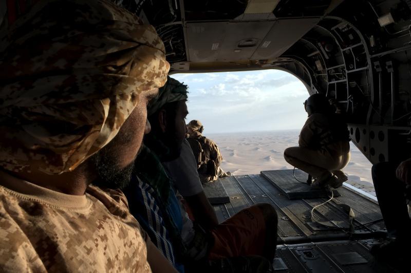 Emirati soldiers flying over theYemeni desert, September2015
