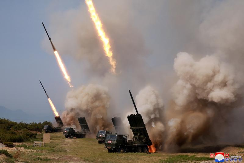 """North Korean military conducts a """"strike drill"""" for multiple launchers, May 2019"""