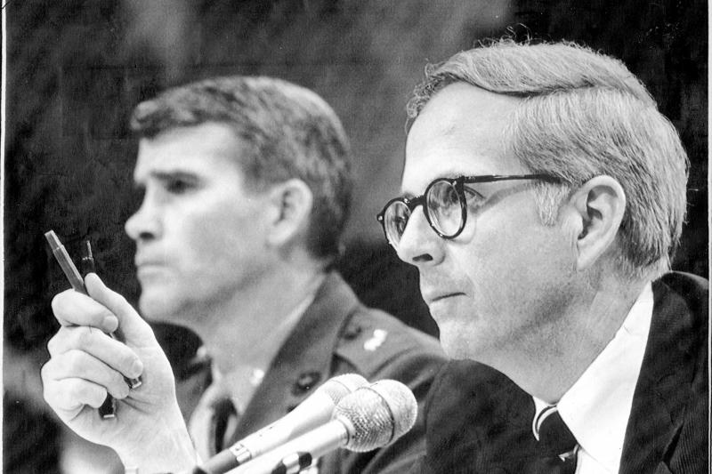 Oliver North and his attorney during Iran-contra hearings