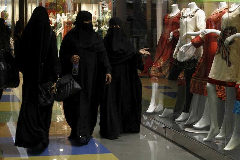 Saudi women shop at Al-Hayatt mall in Riyadh, February 2012.