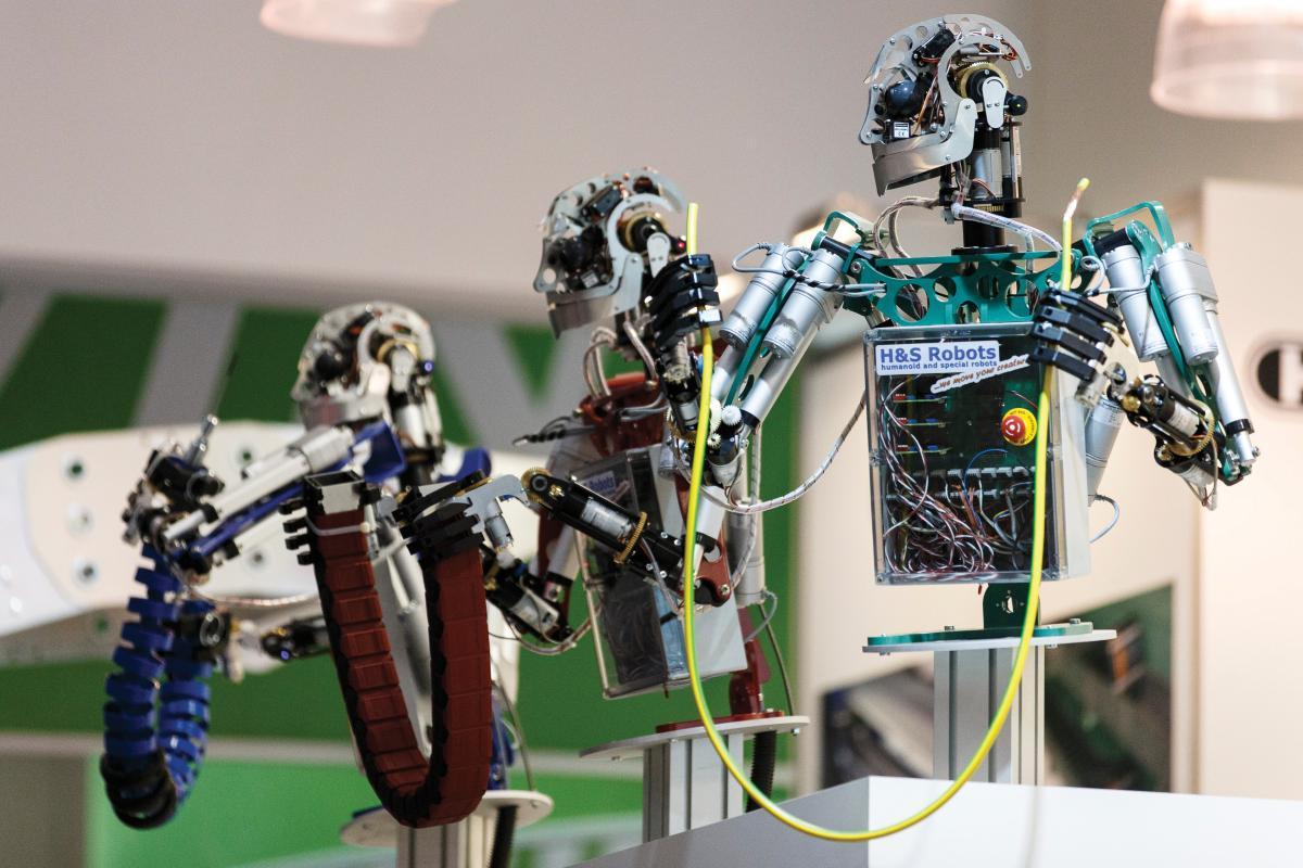 robot ötletek kereskedése üzletközpont felülvizsgálata
